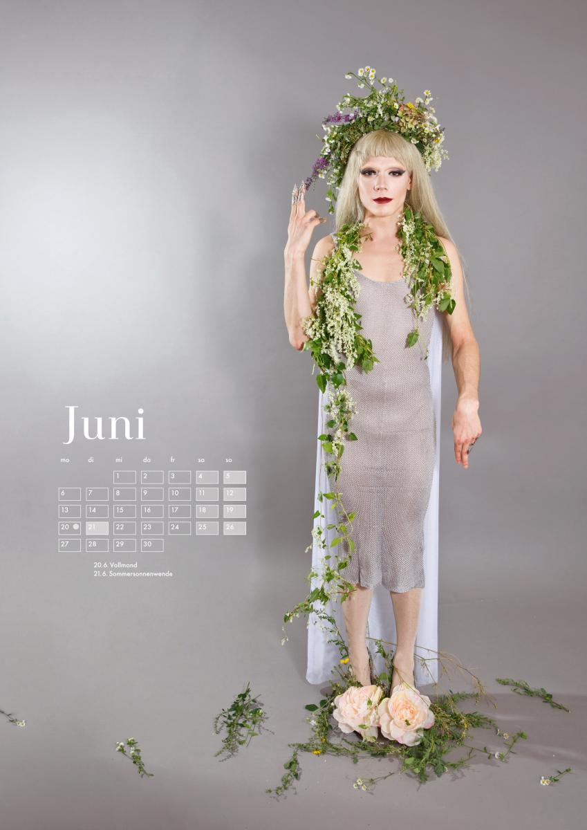 Club H.Ø.D. Calendar 2016 Jo for June Photo: Julia Fuchs
